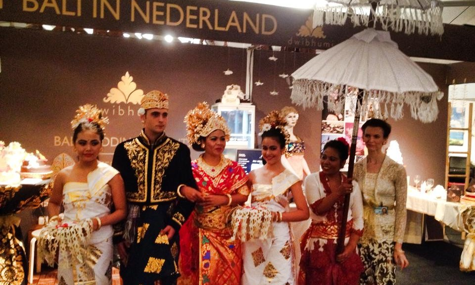 Kleding In Nederland.Balinese Kleding Dwibhumi Bali Events Nederland