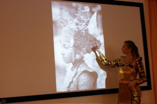 Lezingen Balinese dans en cultuur DwiBhumi