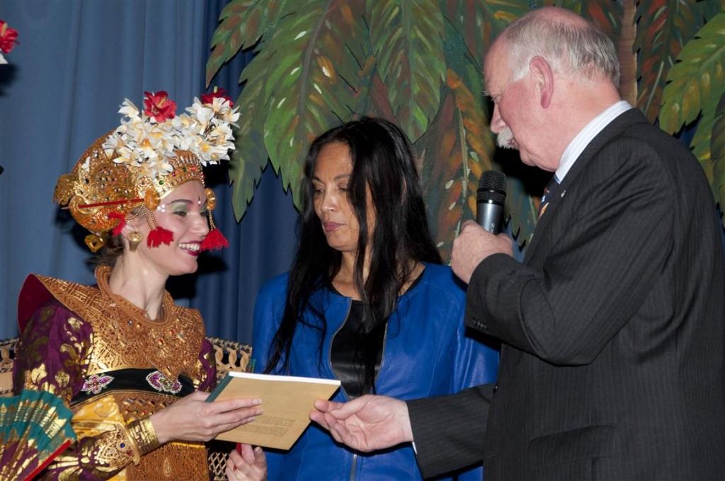 Balinese cultuur Bronbeek 4 november 2012 - DwiBhumi - Marion Bloem - Legong Keraton Lasem