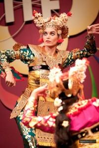 DwiBhumi Balinese dans Tong Tong Fair 2011-Legong Keraton Lasem