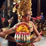 Sekar Jagat Balinese dans DwiBhumi