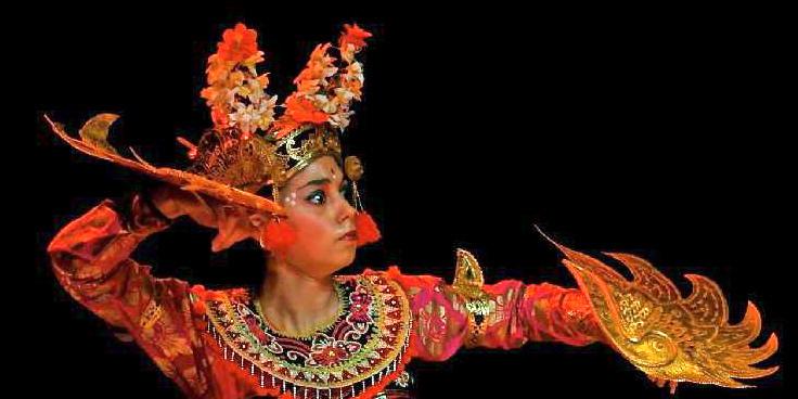 LegongKeraton-Garuda-DwiBhumi-Balinese dans-Roxanne Spijkers