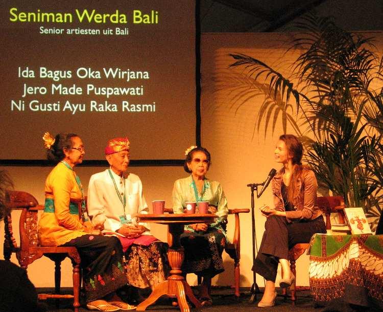 Aafke de Jong interview Balinese Seniman Tua Bali Tong Tong Festival 2010: Ni Gusti Ayu Raka Rasmi Ida Bagus Oka Wirjana Jero Made Puspawati