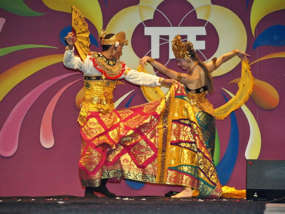 TongTongFair2013-DwiBhumi-NyomanSura-OlegTambulilingan1