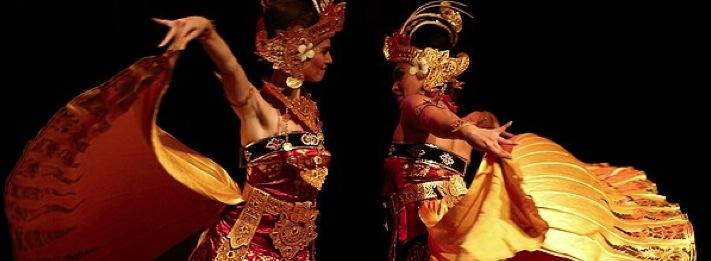 DwiBhumi Balinese dans dance birds of paradise cendrawasih dansweek gelderland