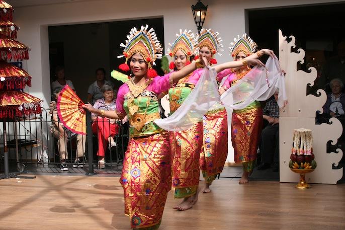 dwibhumi-balinese-dansgroep-kembang-girang-verzorgingstehuis-livio-enschede-2014-3
