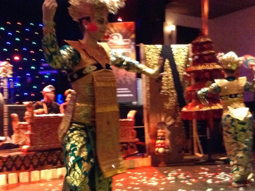 dwibhumi bali bedrijfsfeest balinese dans gamelan decoratie entertainment catering