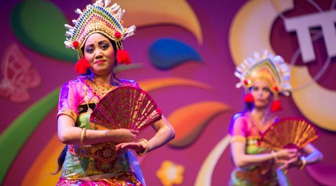 Balinese dans van DwiBhumi tijdens 20-jarig jubileum Taman Indonesia 12 juli