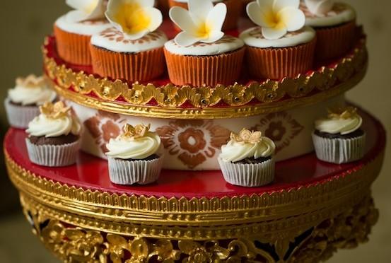 Blij met Balinese verjaardagsijstaart!