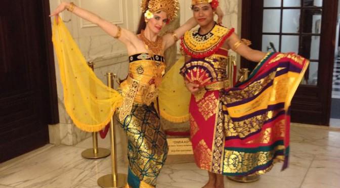 Balinese dansact Benefietdiner Koninklijk Instituut voor de Tropen voor meer bio-energie op Sumba
