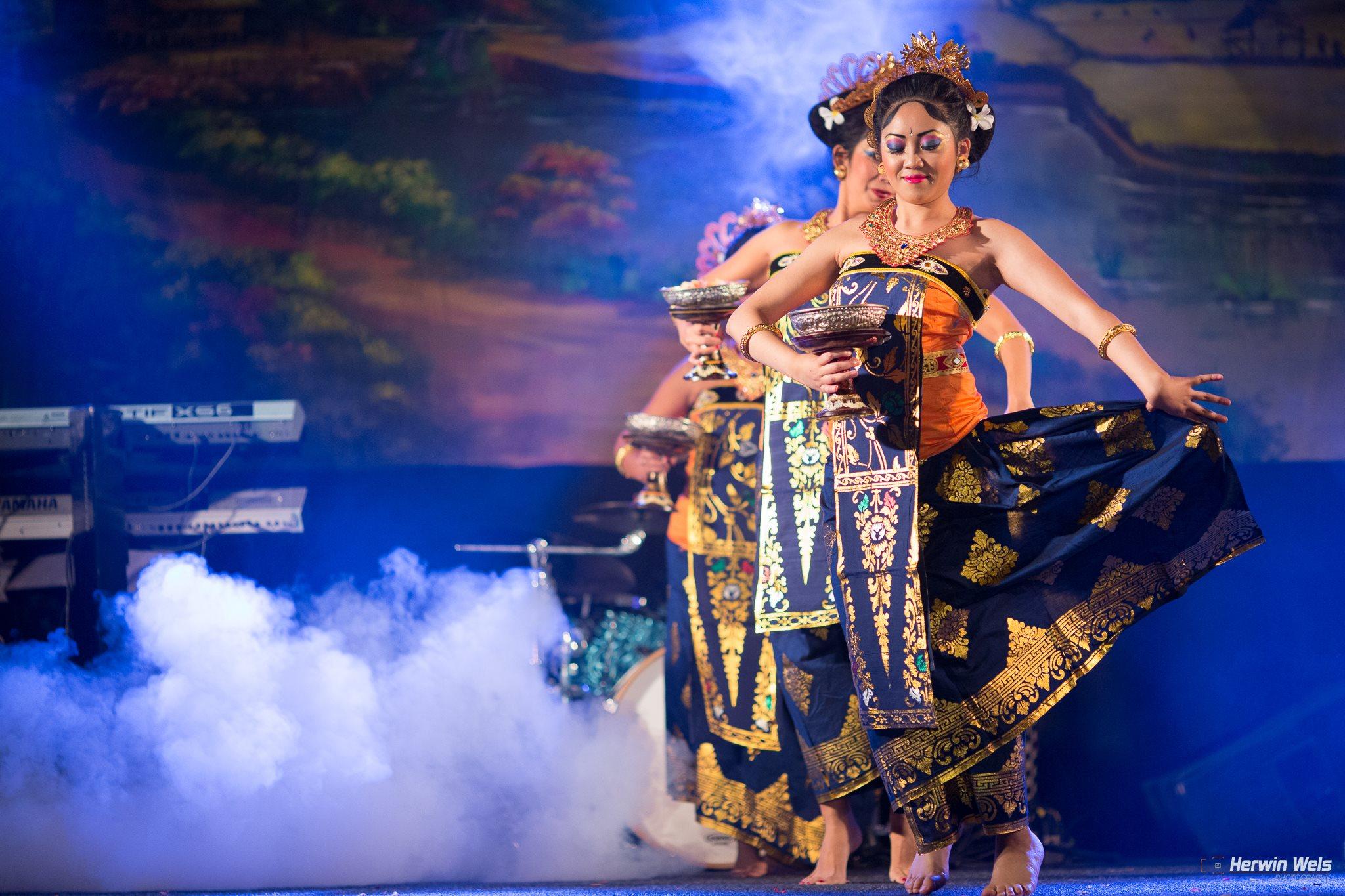 pasar malam rijswijk 2015 balinese dansgroep dwibhumi foto herwin wels