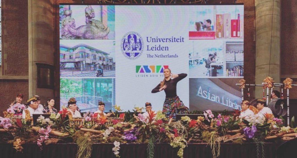 Opening Asian Library Pieterskerk Leiden, koningin Maxima, Improvisatie dans Aafke de Jong, muzikale compositie: Krishna Sutedja