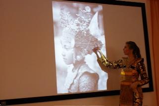 DwiBhumi Lezingen Balinese dans en cultuur