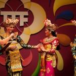 TongTong Fair 2011 Legong Keraton Lasem DwiBhumi Balinese dans Aafke de Jong Mirah Rahayu Supriyono Febrina Tanoewidjaja