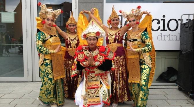 Balinese dans van DwiBhumi voor Koningin Maxima tijdens Opening Markthal Rotterdam