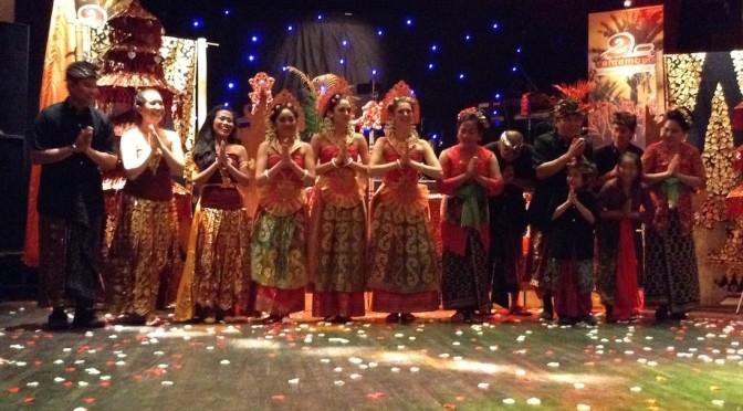 De dansers van DwiBhumi