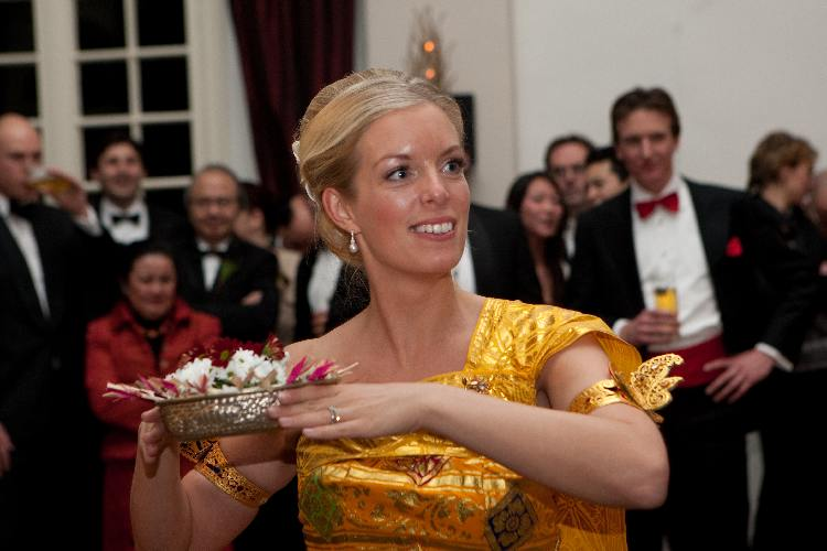dwibhumi-balinesebruiloft-huwelijksdans1-balinese bruidskleding