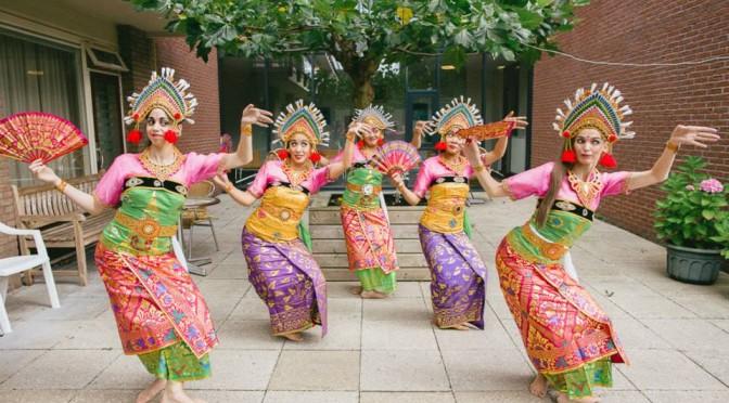 dwibhumi balinese dansgroep tari kembang girang